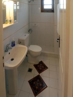 One of the three bathrooms of the house
