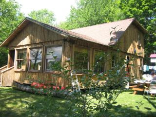 4 Bedroom Lake Front Cabin in White Mts of NH, Piermont