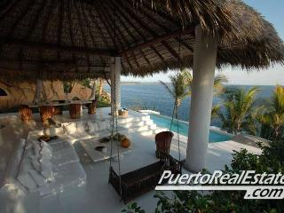 Casa Chantal - 3BR Oceanfront Rental, Puerto Escondido