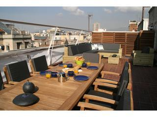 Penthouse with terrace in centre, 2 bedrooms, Barcelona