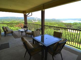 Beautiful Condo with Amazing Views and Great Resort Amenities!, Jonestown