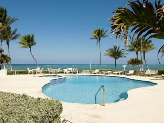 Stunning 2 BR Beach Front Condo, West Bay
