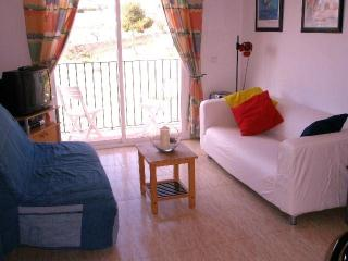 Sunny modern 2 bedroom apartment in Sitges centre