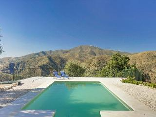 The Olive Branch-Climb,hike,Bike or Simply Relax!, Álora