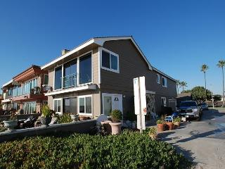 Spectacular Oceanfront Upper Unit! Incredible Views! (68274) - Newport Beach vacation rentals