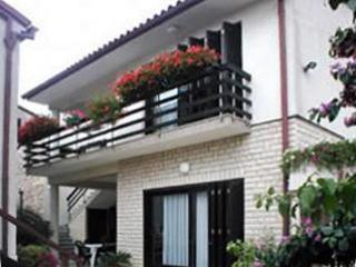 Apartment for 3 persons in Banjole - Image 1 - Banjole - rentals