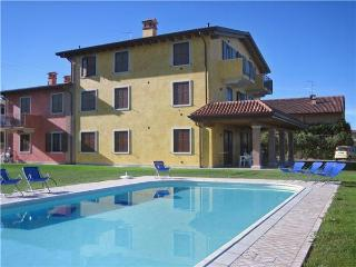 15261-Apartment Lazise