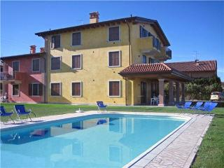 15262-Apartment Lazise