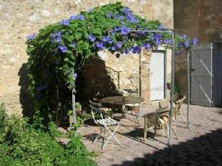 Holiday house for 8 persons, with swimming pool , in Pyrenees - Saint-Laurent-de-la-Salanque vacation rentals