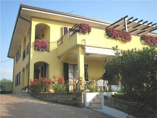 16624-Apartment Lazise