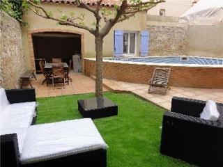 Holiday house for 8 persons, with swimming pool , in Perpignan - Saint-Laurent-de-la-Salanque vacation rentals