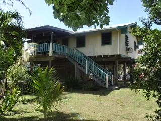 Spacious 2 bedroom with private balcony, Culebra