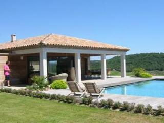 St Tropez 6 Bedroom House with a Pool, Vignes Gassin