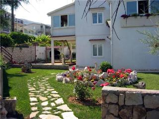 Apartment for 3 persons near the beach in Pag - Pag vacation rentals