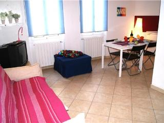 Apartment for 2 persons near the beach in Riviera of Flowers - Liguria vacation rentals