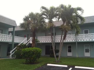 Steps to Private Beach, Cocoa Beach Condo Rental