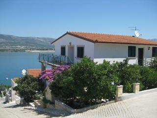 Apartments BARBA with great seview, Trogir