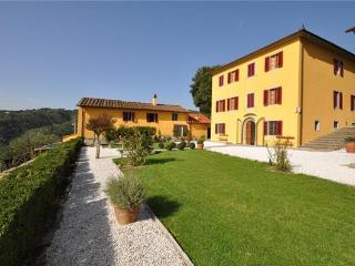 Holiday house for 12 persons, with swimming pool , in Pistoia - Massa e Cozzile vacation rentals