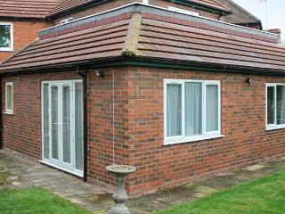 THE APARTMENT, single-storey annexe, close Lincoln cathedral and castle, Lincoln Ref 20832