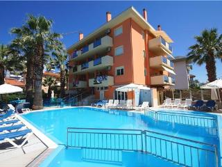 Apartment for 4 persons, with swimming pool , near the beach in San Benedetto del Tronto - Marche vacation rentals