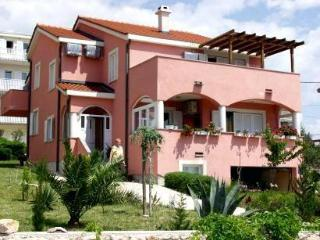 Attractive apartment for 5 persons in Pag - Island Pag vacation rentals