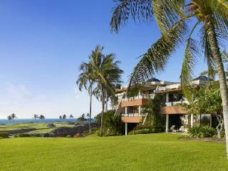 Mauna Lani Point Fairway and Ocean View - on 19 acre community with pool and spa, Waikoloa