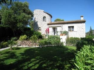 Excellent Holiday Villa with Garden and Balcony, in Provence, Mandelieu-la-Napoule