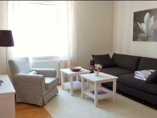 Vacation Apartment in Regensburg - 538 sqft, charming, comfortable, central (# 3646)