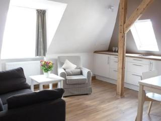 Vacation Apartment in Regensburg - 377 sqft, charming, comfortable, central (# 3647)