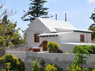 E14. Historical Cottage in St. Georges, Saint-George