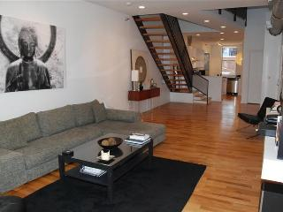 HUGE Luxury Loft Central Downtown Cincinnati!