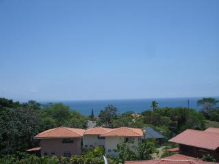 NEW HOUSE FOR 2,3,4  PERS, EQUIP SEA FOREST VIEW, Montezuma