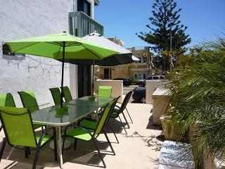 Lovely South Mission 2 bedroom just seconds from the beach!, San Diego