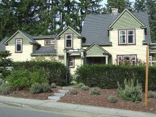 Best Rated! The Parsonage B and B!, Gig Harbor