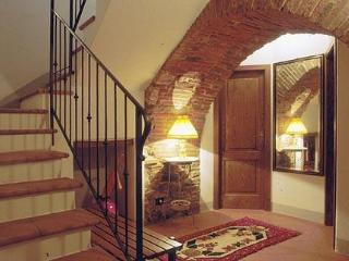 2 Bedroom Vacation Rental at Appartamento del Borgo, Cortona
