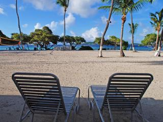 Beach front studio Apt.-lovely white sandy beach, St. Thomas