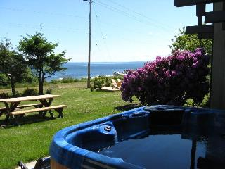 Hidden Harbour Vacation Rental, Campbell River