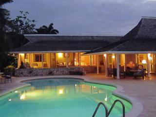 Fabulous 3 Bedroom Beachfront Villa with Pool in Montego Bay