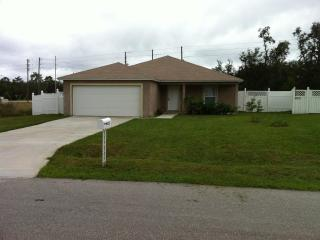 3 Bedroom Vacation Home in Kissimmee Pet-Friendly