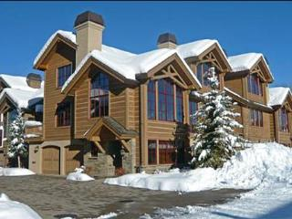 Luxury Townhome - Minutes from Downtown & River Run Lifts (1091), Ketchum