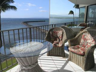 Oceanfront Wall of Glass!, Maalaea
