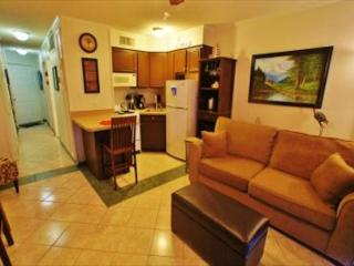 Great condo with beach views and quick access to fishing and beach!, Galveston