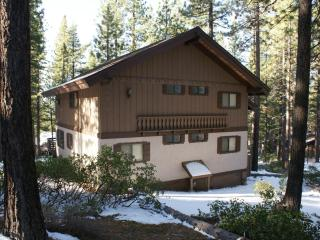 Large Vacation Home with Hot Tub and Pool Table, Incline Village