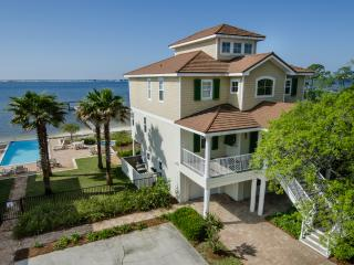 Unique Sound-Front Home With Great Amenities, Navarre