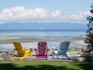 Kye Bay Guest Lodge ....your family vacation spot!, Comox