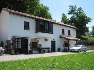 Rural House in centre of historic Puente Viesgo - Cantabria vacation rentals