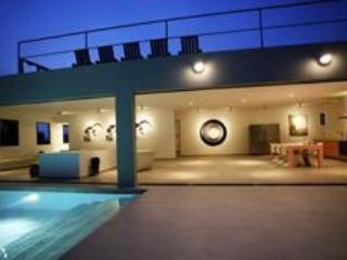 Spectacular design villa in posh Jan Sofat 4-12BDR, Willemstad