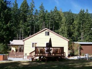 WILDWOOD AT MT. RAINIER - South Cascades Area vacation rentals