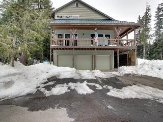 Mt. Hood ski lodge near Skibowl, sleeps 15, Government Camp
