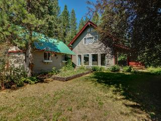 Cozy, private retreat one mile from Payette Lake!, McCall